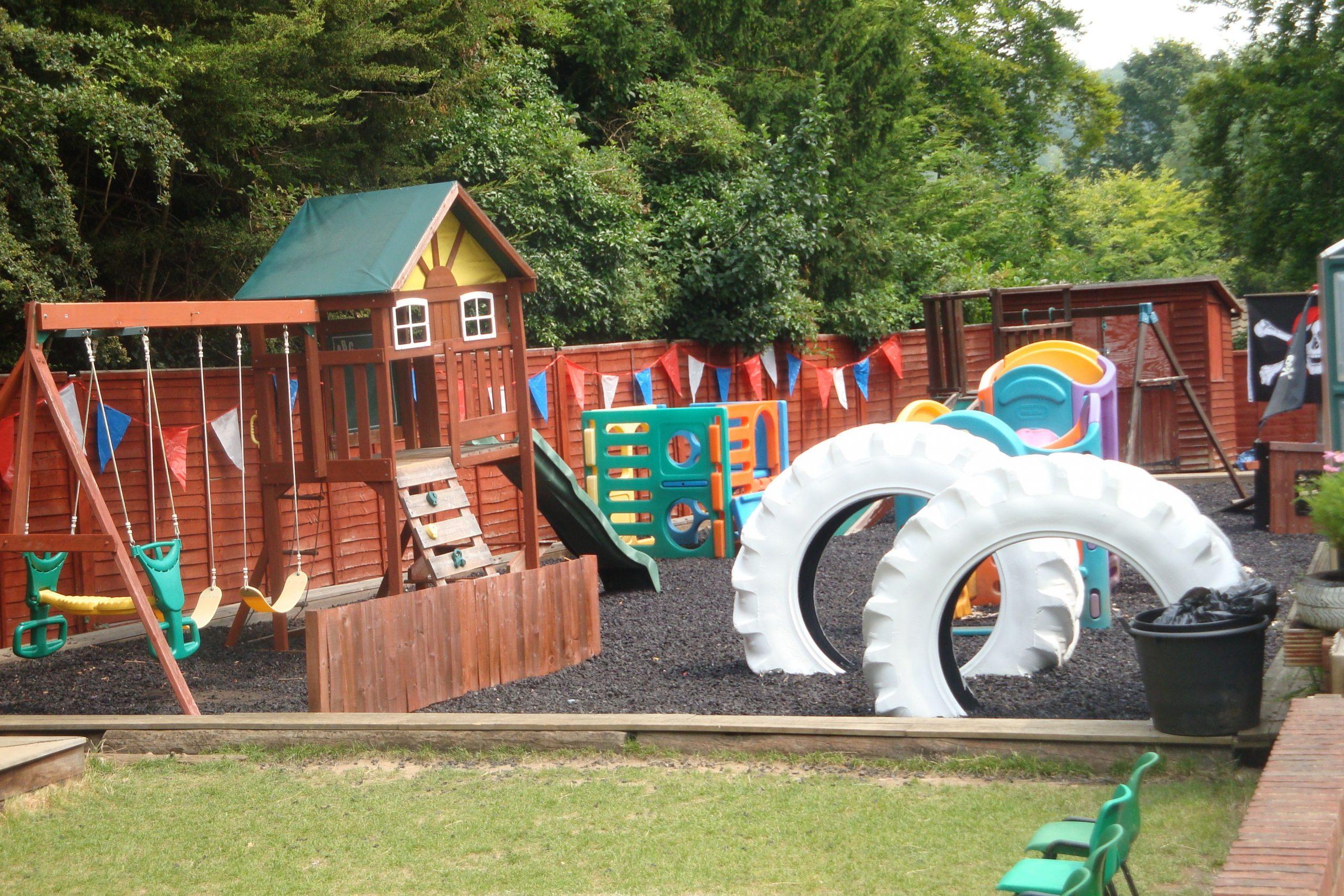 kids outdoor play equipment